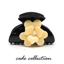 Fashion Acrylic Black Flower Pearl Hair Claw Clip For Women Girl Hair Dryer Party Wedding Hair Jewelry Accessories Gift flower clove pearl crystal acrylic hair claw clip for women girl hairpins heart hollow sculpture hair feeder accessories