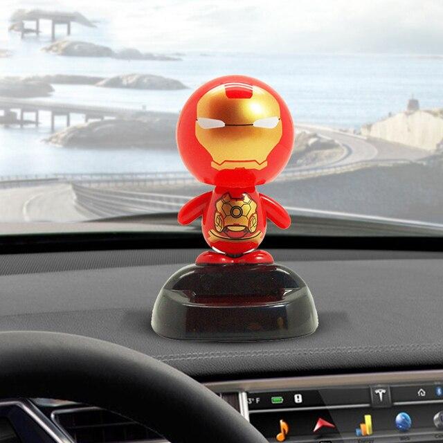 שמש כוח טלטול ראש ברזל איש רכב קישוט דמות קישוטי אוטומטי פנים לוח מחוונים בובת צעצועי מכוניות אביזרי מתנה