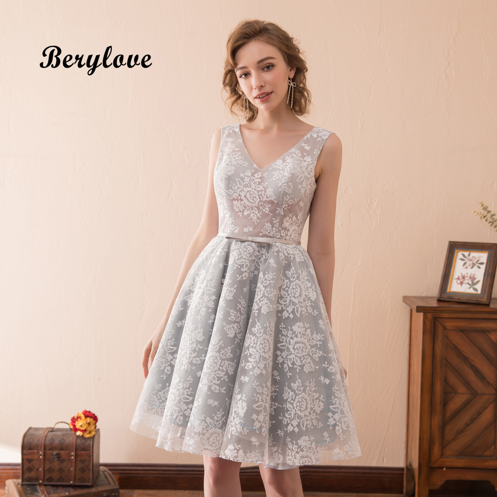 BeryLove Fashion Short Grey Lace Prom Dresses 2018 V Neck Backless Prom Dress Mini Prom Gowns Plus Size Graduation Party Dresses