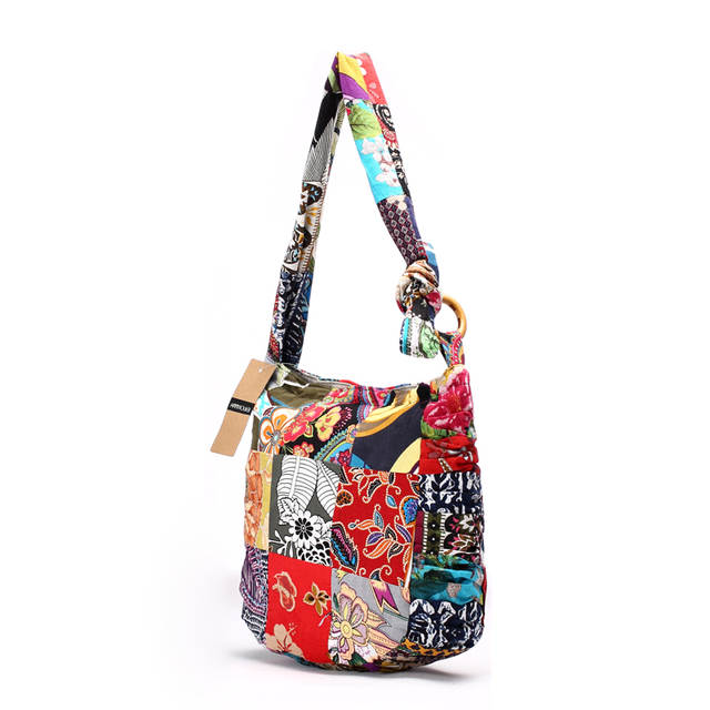 e436ebfea76 US $18.2 44% OFF Designer Women Shoulder Bag Cotton Fabric Handbags Large  Capacity Hippie Hobo Bags Floral Patchwork Crossbody Messenger Bag-in ...