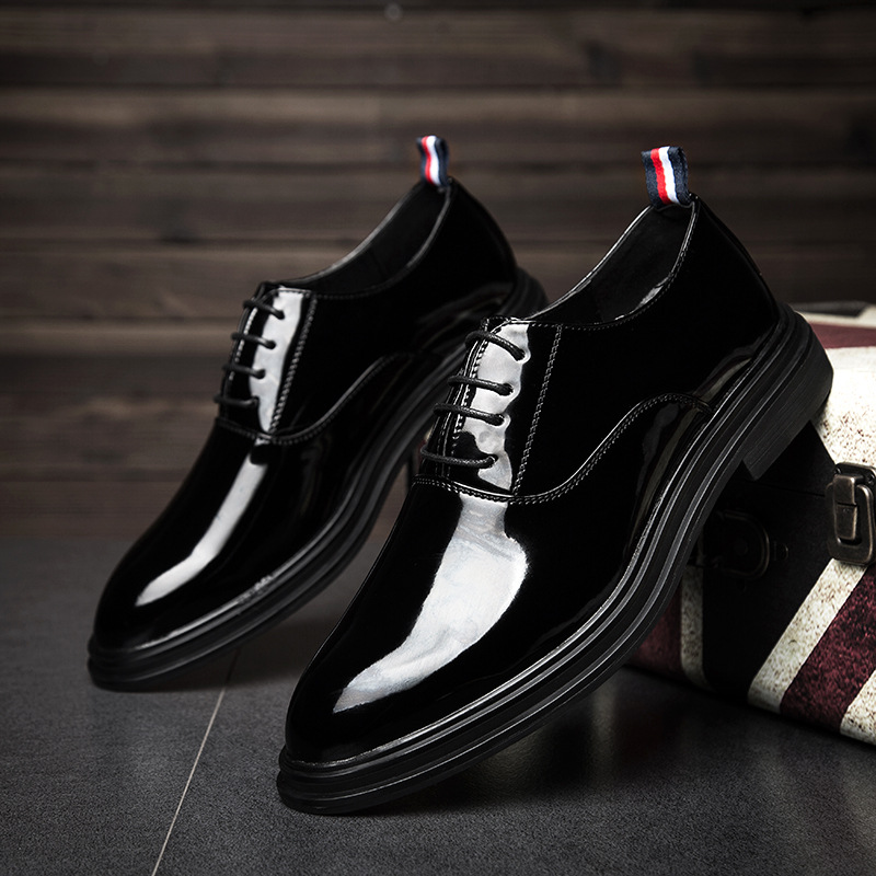 2018 Brand Formal Men Dress Wedding Shoes Shadow Patent Leather Luxury Fashion Groom Party Shoes Oxford Shoes for men