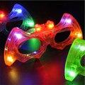 10 unids/lote fuentes del partido de Halloween bat gafas de juguete de colores led parpadeante resplandor máscara gafas de dibujos animados gafas de sol iluminan juguetes de los niños