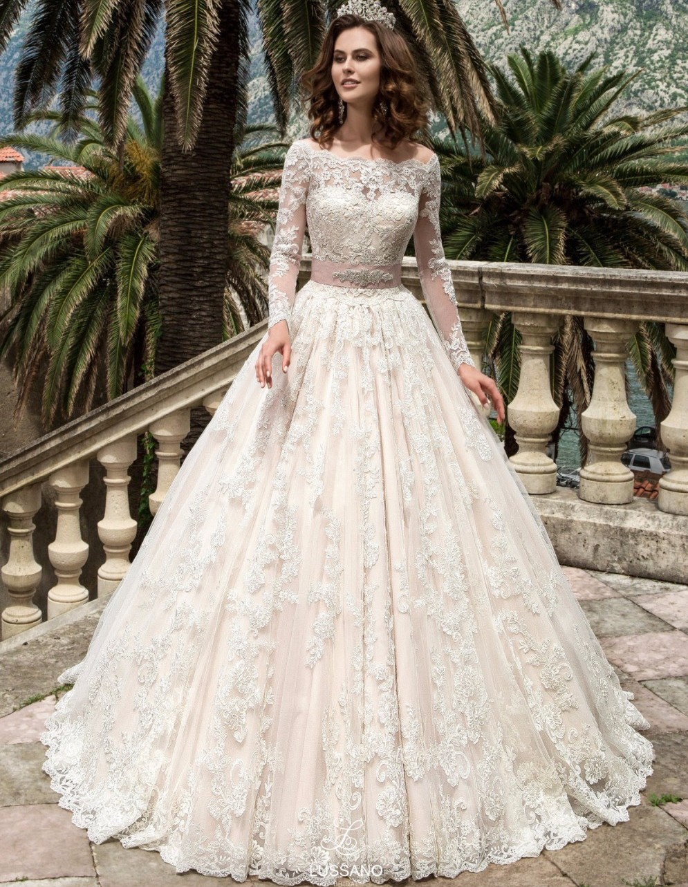 Vestido de noiva Sheer Back Long Sleeves Wedding Dresses Pearls Lace Appliques Ball Gown Wedding Dress Bridal Gowns Casamento