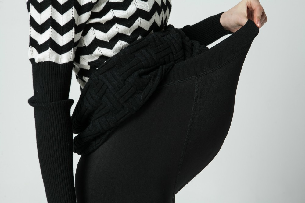Women clothing maternity clothes winter Leggings thickened with velvet pregnant women trousers warm pants 2