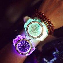 Relojes Mujer Top Marca de Luxo LED Relógio de Forma Das Mulheres Das Senhoras Do Esporte Ao Ar Livre Relógios de Quartzo silicone relógio de Pulso casual vestido