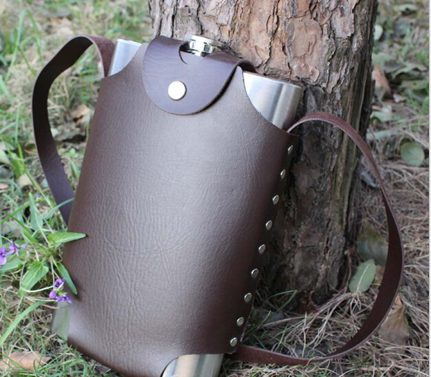 New Supply 64 oz 304 Stainless Steel Flagon Laser Welding Kettle Water Leakage Proof Large Hip Flasks Leather Bag Free Shipping