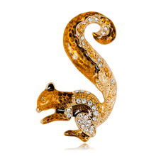 Cartoon Squirrel Brooch Ladies Corsage Lovely Animal Enamel Brooches Metal Collar Dress Scarf Buckle Hat Pins Crystal