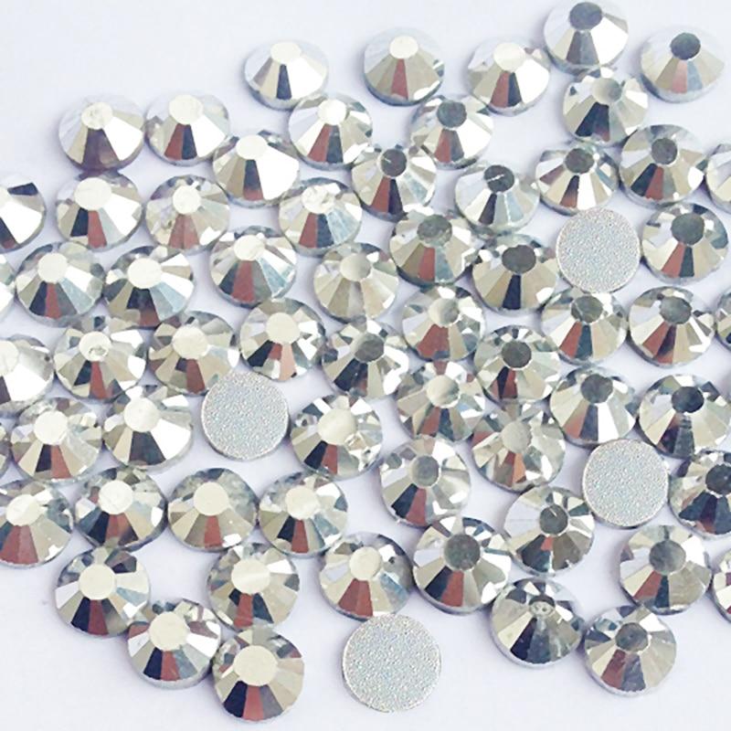 Kiváló minőségű körömkristályok 3SS-től 30SS-ig az ezüst sík hátsó strasszos ragasztó nem gyorsjavítású strasszokhoz