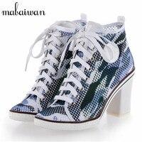 Mabaiwan הסוואה סגנון חדש נשים עקבים גבוהים עבה לנשימה קיץ תחרה עד קרסול מגפי נעליים מזדמנים בוהן עגול נשים משאבות