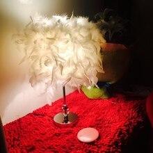 Pantalla de pluma romántica Metal antiguo elegante lámpara de mesa mesita de noche Luz de escritorio decoración del hogar para mesita de noche cafetería Bar tienda