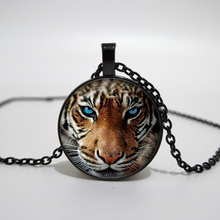 hot sale, charm tiger pendant silver-plated glass jewelry silver chain necklace.Convex dome necklace handmade