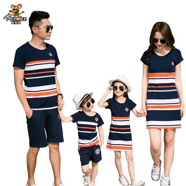 משפחת התאמת תלבושות 2019 קיץ אופנה פסים חולצה תלבושות אמא ובת שמלות ואב בן תינוק ילד ילדה