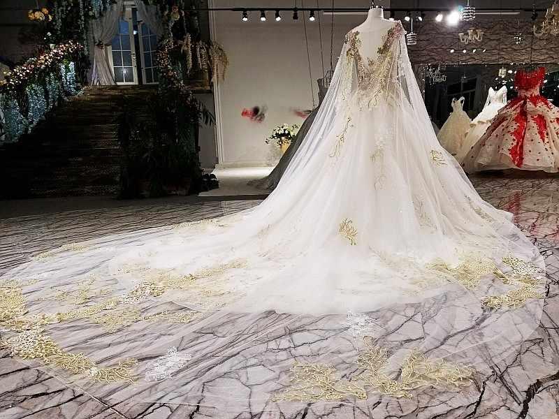 Catthedral золото пухлые Кружево Бисер свадебное платье с эстетической длинный мыс бальное платье длинный шлейф шампанское Свадебные платья 2018