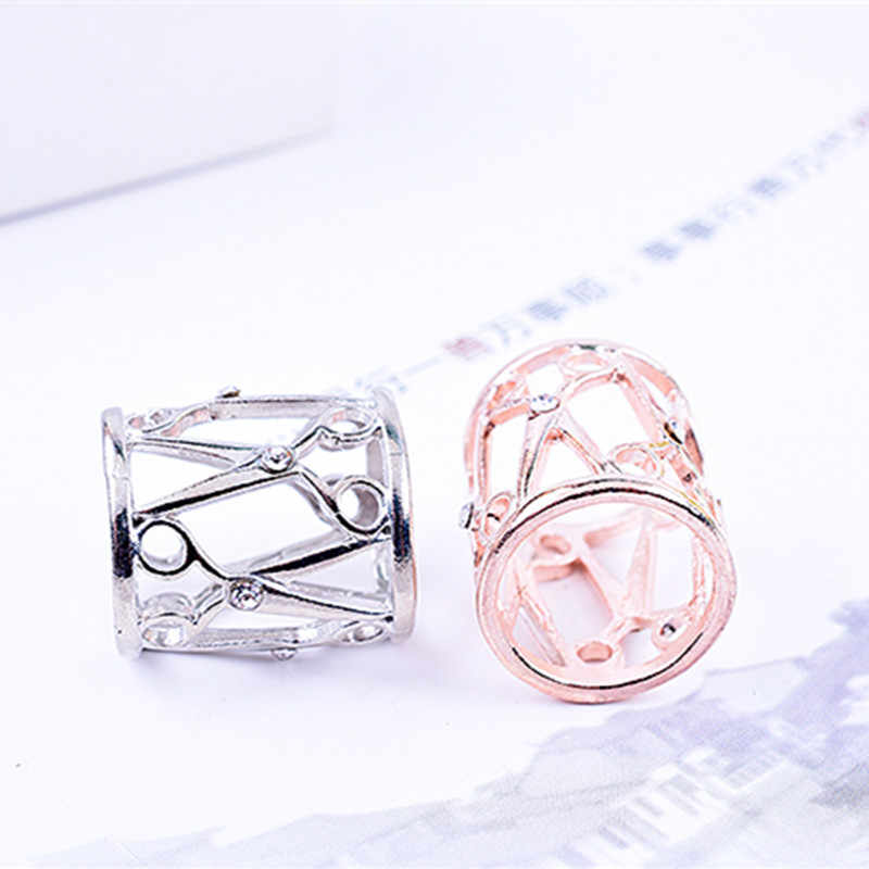 2019 New Trendy Simple Hollow Crystal Tube Scissor Design Scarves Brooches Shawl Buckle Female Jewelry Wholesale Corsage