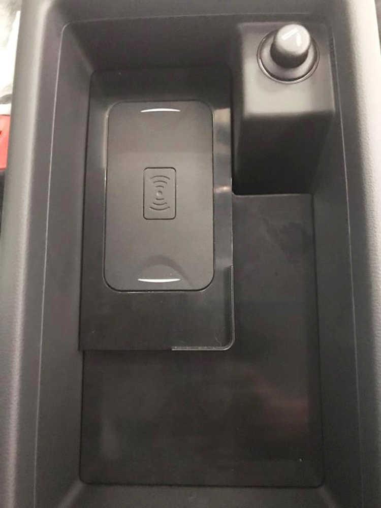 Dla Audi A4 B9 A5 A6 C7 A7 QI bezprzewodowa ładowarka samochodowa ładowarka do ładowania płyta podłokietnik ze schowkiem uchwyt telefonu akcesoria dla