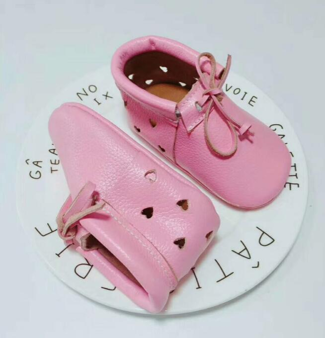 Lace up hard sole Genuine Leather baby Moccasins shoes pink Soft Moccs Baby kids Newborn first walker Infant Shoes Breathable
