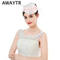 AWAYTR Mulheres Fantasia Flor Fascinator Chapéus Branco Birdcage Veil Casamento Fascinators Chapéus Marca Nova Rede Branca Acessórios Para o Cabelo