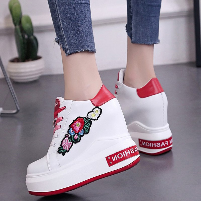 Woman Platform Wedges 2018 10cm Super High Heels Casual Shoes White Lacing Ladies Floral Leisure Casual Sneakers Shoes Woman Woman Platform Wedges 2018 10cm Super High Heels Casual Shoes White Lacing Ladies Floral Leisure Casual Sneakers Shoes Woman