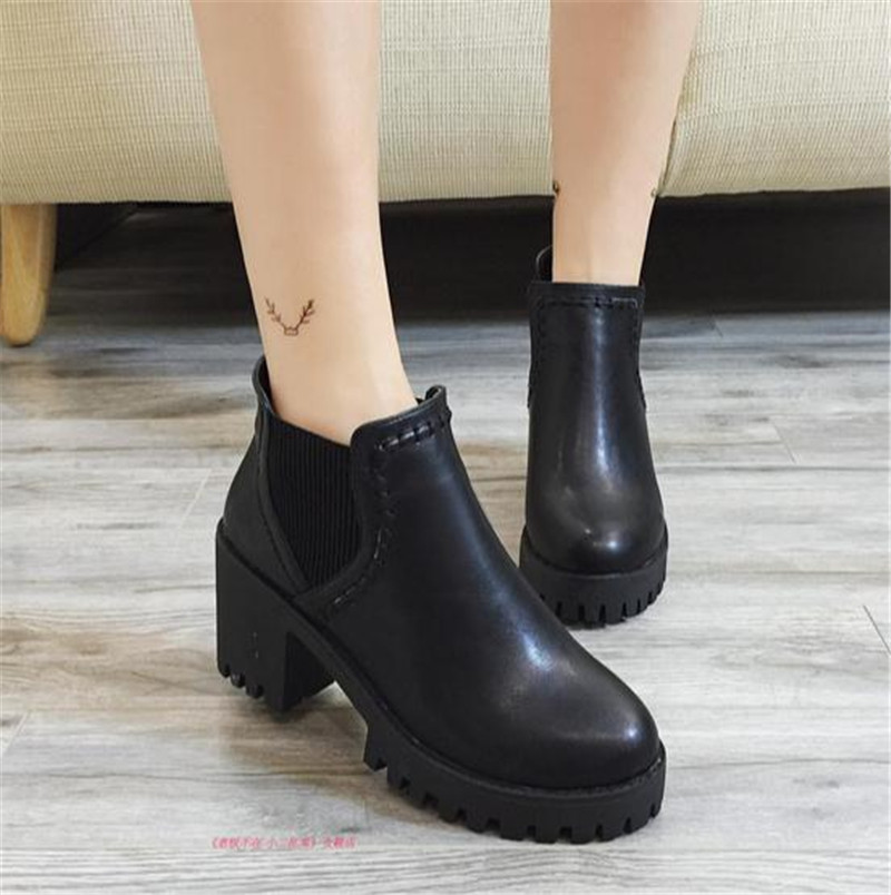 Winter students round head bare high-heeled boots sponge Martin shoes bottom thick with short tube