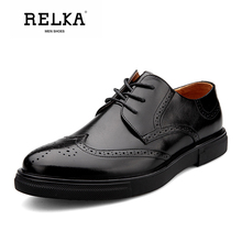 Купить с кэшбэком RELKA Handmade Men Shoes High Quality Genuine Leather Retro Round Toe Soft Heel Shoes Classic Vintage Casual Solid Men Shoes N23