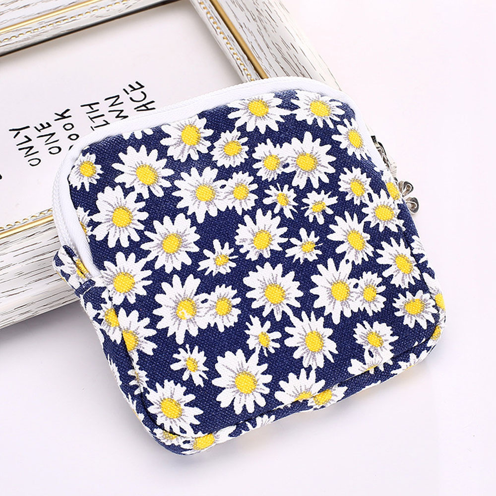 цены Aelicy 2018 New Slim Women New Cute Cosmetic Bag Women Girl Cute Sanitary Pad Organizer Holder Napkin Towel Convenience Bags hot