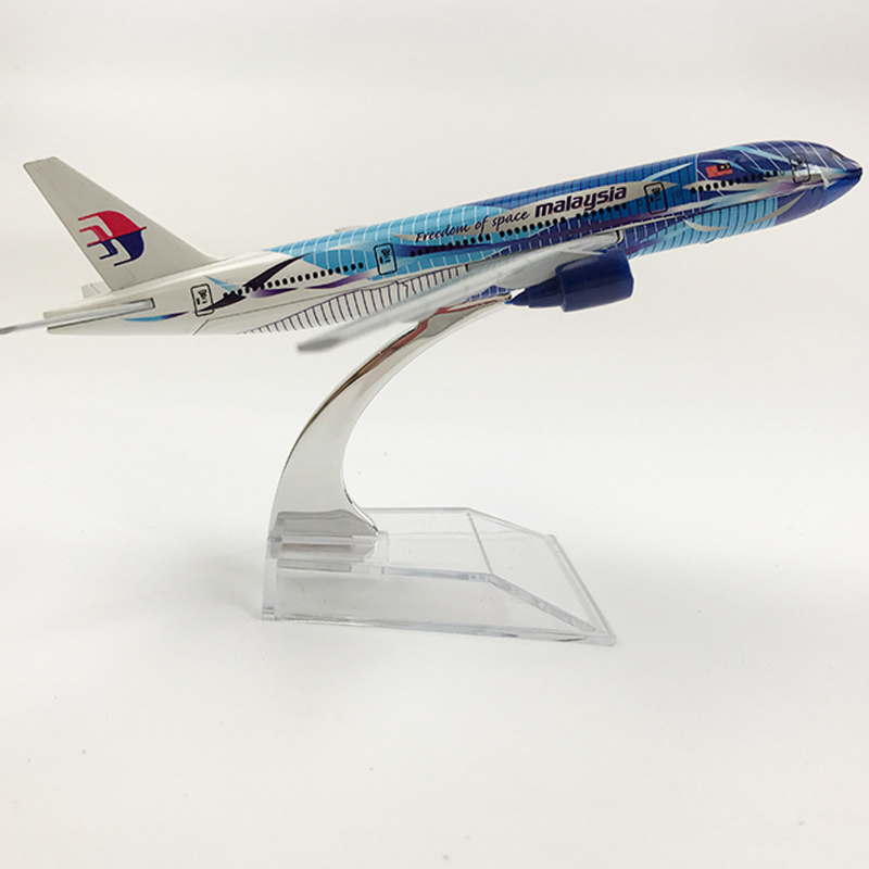 Malaysia Aeroplane Model Boeing 777 Airplane 16CM Metal Alloy Diecast 1:400 Airplane Model Toy For Children Free Shipping