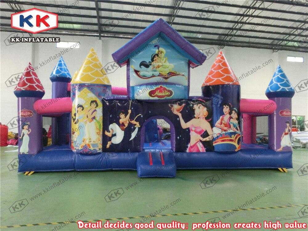 Дети играют мультфильм тип радостным парк аттракционов надувной дом / открытый надувные структуры