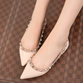 Huidong's New Spring And Summer 2016 Fashion Leisure Shoes Pointed Rivet Flat Mouth New One Generation