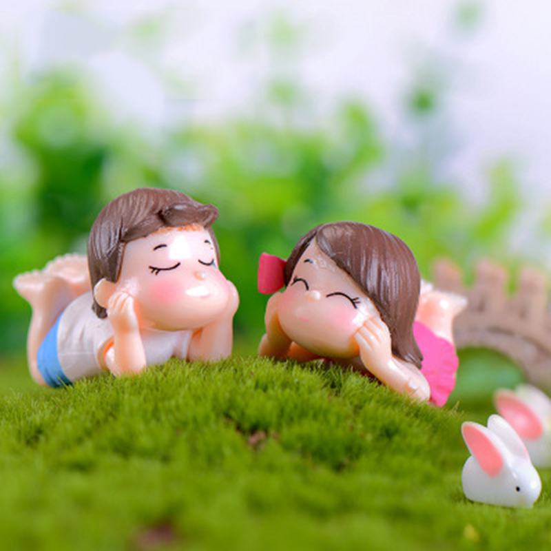 ZOCDOU 2pieces Lovers Sweethearts Girl Boy Romantic Night Brother Sister Camping Model Small Statue Figurine Craft Miniatures