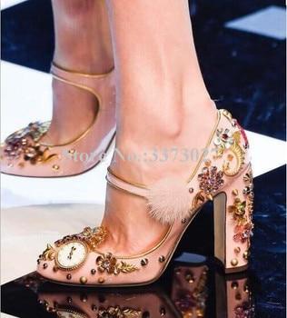 Luxury Pink Square Heel Flower Decor Fur Buckle Strap Lady Pumps Unique Design Rivets Chunky Heel Wedding Shoes Dress Shoes