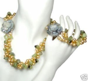 New Fashion Hot Beautiful Woman's Pearl Jewelery Set Natural pearl and green garnet necklace&bracelet Sets free shipping