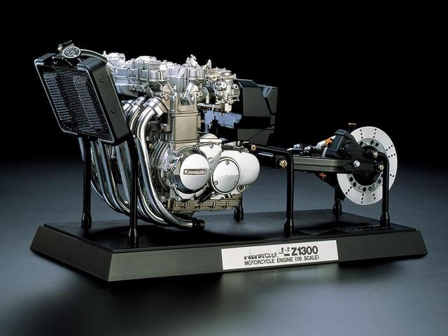 plastic model motorcycle engine