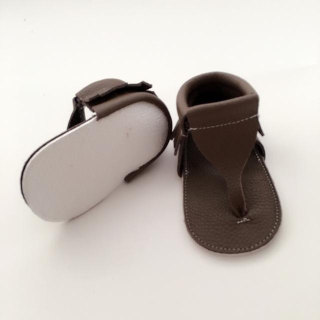 Hecho a mano de Color Caqui Oscuro Del Bebé Primeros Caminante Zapatos Infantiles de Cuero Genuino
