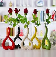 Estilo europa moda de decoração para casa modernos órgão floral mestre ornamentos vaso de cerâmica em forma de coração de casamento Decoração Do Partido