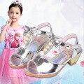 1 par de Sandálias de verão 2017 da princesa de cristal pêra Brilhante sapatos sapatos meninas Crianças sandálias da menina