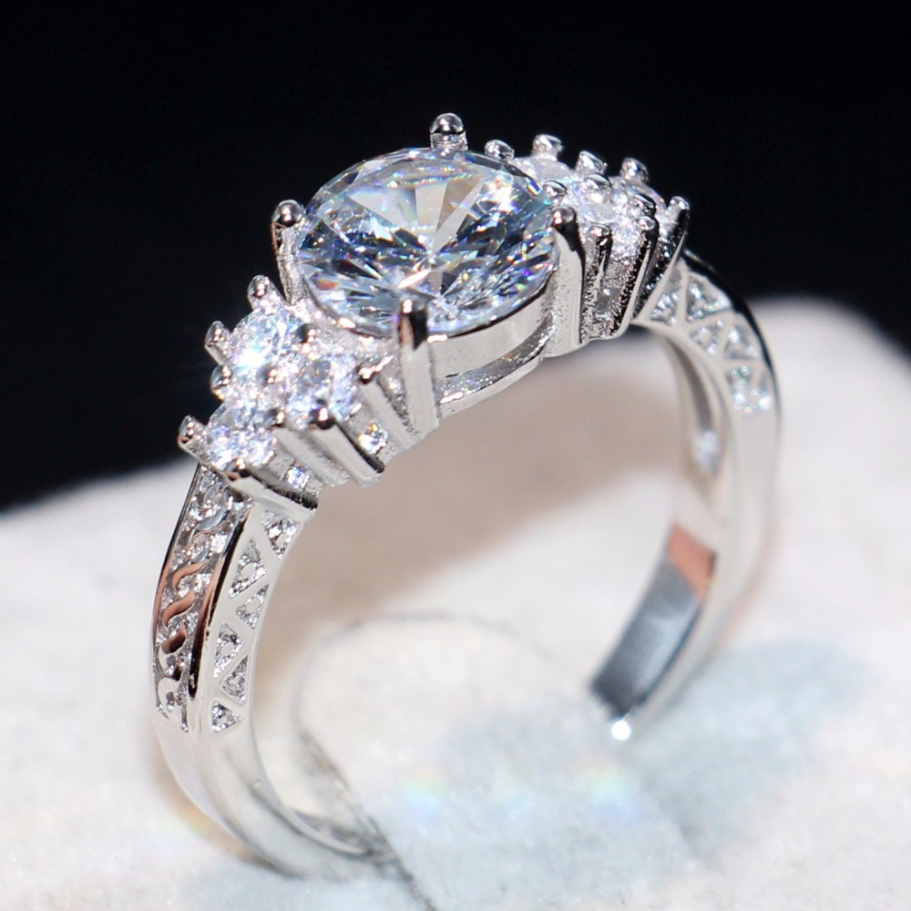 Victoria Brand New Drop Shipping High Quality Luxury Jewelry  925 Sterling Silver Big Clear 5A CZ Three Stone Wedding Band RingVictoria Brand New Drop Shipping High Quality Luxury Jewelry  925 Sterling Silver Big Clear 5A CZ Three Stone Wedding Band Ring