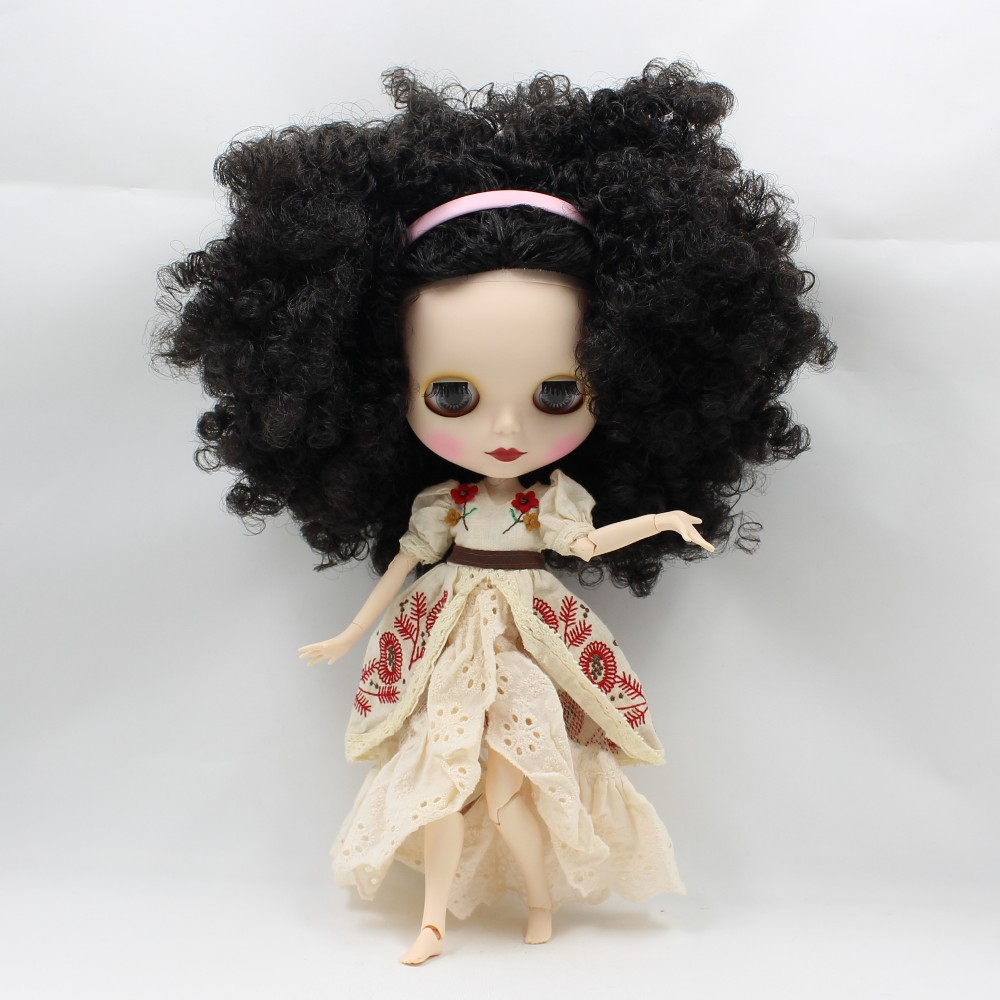 Neo Blythe Doll with Black Hair, White Skin, Matte Face & Jointed Body 3