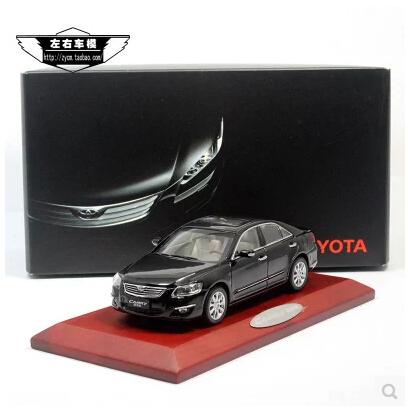 Camry 1:43 TOYOTA Original simulación de aleación de coche de juguete modelo negro japón coches familiares coches clásicos del adorno de 1/43 envío gratis