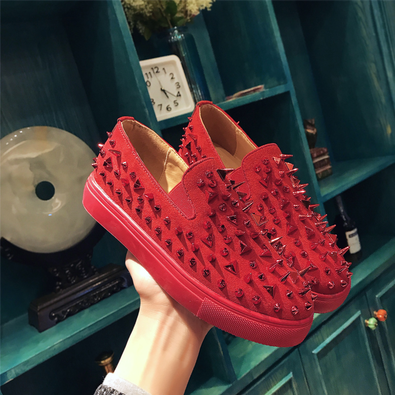 2018 Rivet Women's Flat Shoes Casual Loafers Slip On Women Shoes Flats Soft Moccasins Lady Driving Shoes zapatos mujer