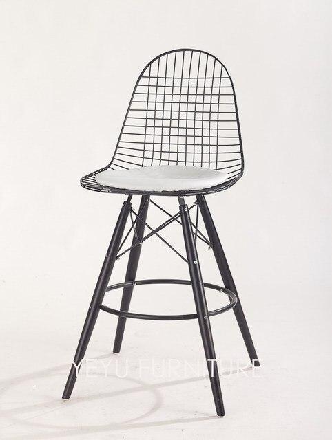 Design Moderno e minimalista De Aço do Metal e Perna de Madeira Balcão de  Bar Fezes 34a4b8a75e484