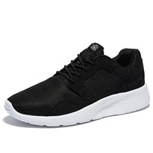 2017 Estilo Casual Hombres Zapatos de Moda de Verano Pisos de Malla Para Hombre Con Cordones Al Aire Libre Ligero Transpirable Entrenadores Zapatos Tamaño 40-47