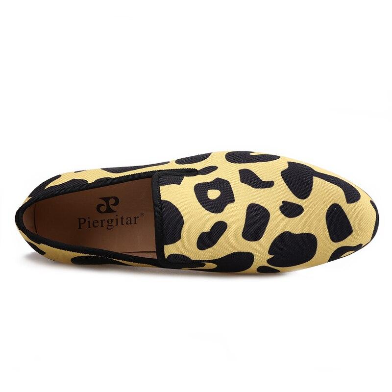 Mano Con Mayor Una 2018 Piergitar Camo A Multiple Classic Animal Zapatos Hecho Y Para Estilo Cuero Leopard Nuevo Hombres Comodidad Print Duradero Desgaste 8wxXqTaxd