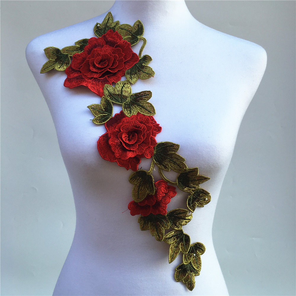 цена 1Pc 3D Red Embroidered Fabric Rose Flower Venise Lace Sewing Applique Lace Collar Neckline Collar Applique Accessories