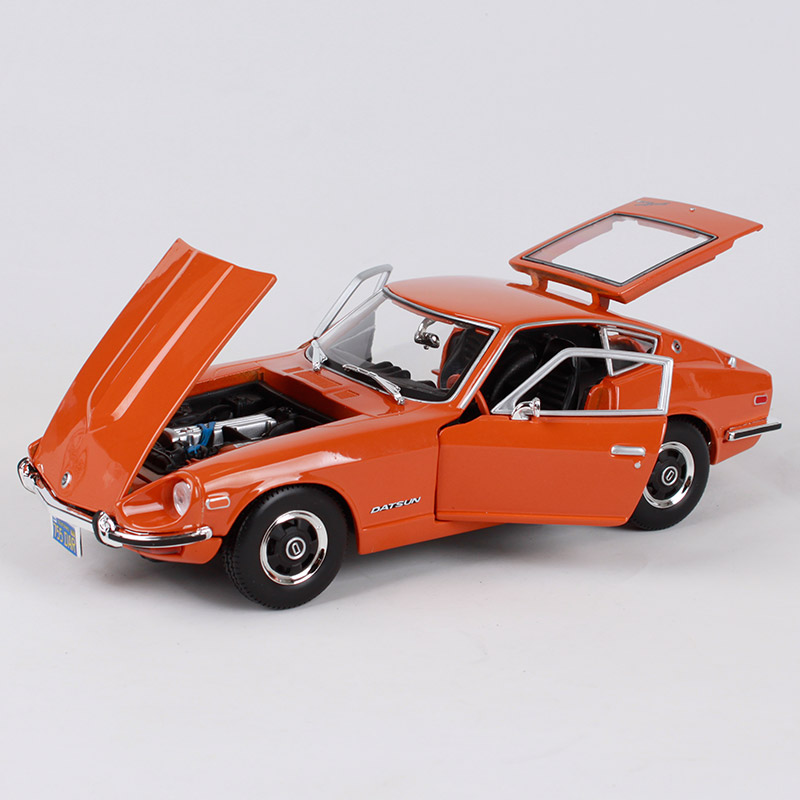 1971 DATSUN 240Z ORANGE 1:18 DIECAST MODEL CAR BY MAISTO 31170