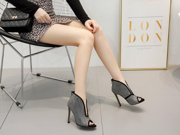 Strass Sandales Bouche Talons Hauts Beige Magnifique Mariage Mode Fine Nouvelle Pompes Dames Et Printemps À Été Chaussures De Poisson Sexy noir qxwvc6IpZB