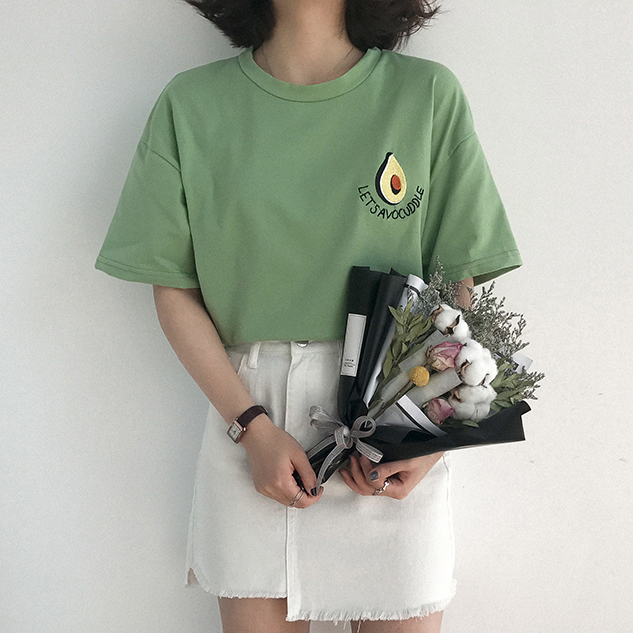 2018 New Style Summer Cute Avocado Embroidery Short Sleeve T-shirt Womens Small Fresh Casual Tees Tops Female Loose T Shirt