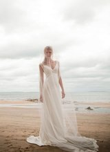 $10 off per $100 order A-137 2013 Sexy V neckline Back Open Beadeds Beach Wedding Dress