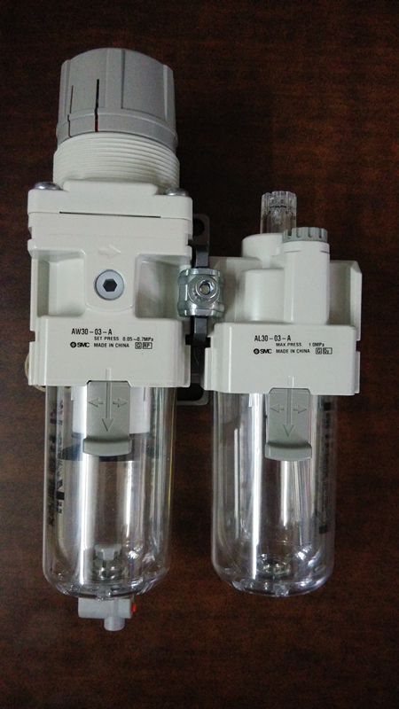 SMC AC30A-03G-A AIR PNEUMATIC REGULATOR / FILTER ASSEMBLY, AW30-03-A, AL30-03-A aw30 02e smc pressure regulating filter with bracket pneumatic air source