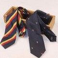 Moda Estilo Inglaterra Faculdade Laços para Ternos dos homens Listrado de Poliéster Laços gravata Gravata para Homens de Ouro e Azul Marinho Pescoço laços