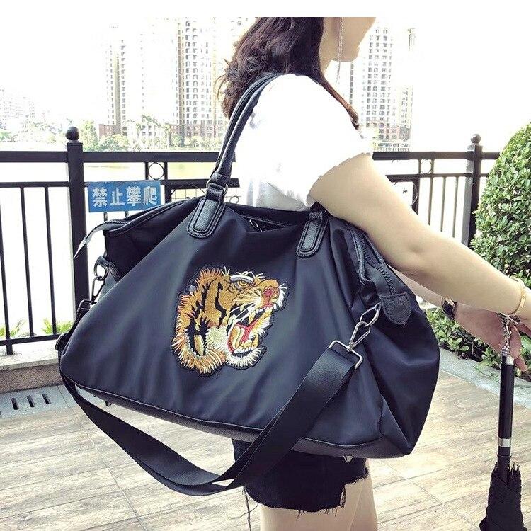 Caker Brand 2018 Women Large Big Travel Bags Fashion Waterproof Handbags Embroidery Lion Crossbody Shoulder bags